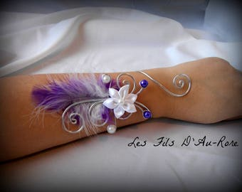 """Wedding bracelet """"ANORA"""" aluminum wire silver plated with white and purple feathers and white satin flower"""