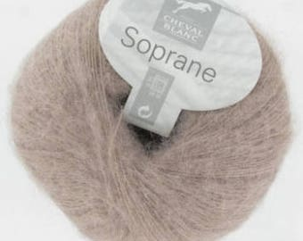 mohair yarn yarn mohair soprano color taupe No. 304 white horse