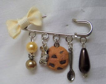 Brooch pin safety gourmet, pearls and charms cookies
