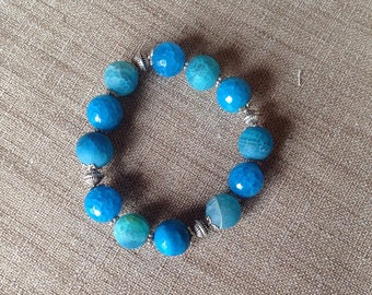 Bracelet stretch turquoise blue agate beads and silver.