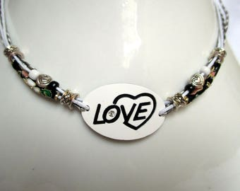 Love, love, love this pretty Choker necklace!