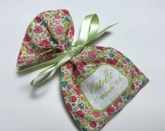 10 sachets favors personalized Liberty Helena's Meadow lime