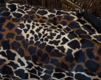 Coupon 70cm x 50cm - Fausse fourrure Girafe doublée de Suédine noire -