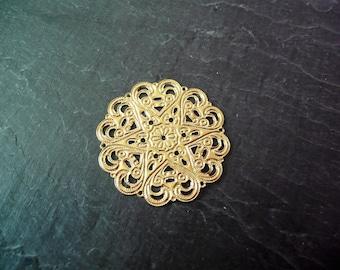 Gold filigree print 44mm round