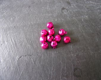 Set of 10 medium bells brilliant fuchsia 11, 5 X 9, 5mm