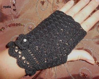 black fingerless for women