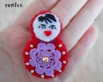Doll brooch Russian Matryoshka felt 6cm.