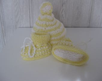 baby set Hat + booties in wool