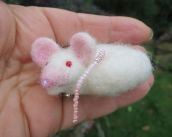 Brooch white mouse