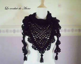 Scarf / / black shawl with pretty lace patterns.