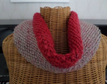 snood knitted in MOSS stitch colors