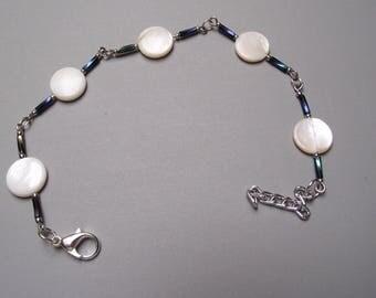 Handmade bracelet mother of pearl beads.