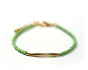 Green and gold seed beads bracelet