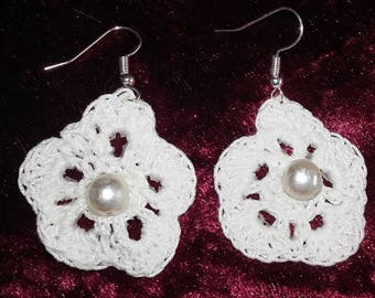 White cotton Pearl Earrings