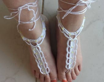 White cotton crocheted pearls foot jewel