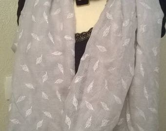 Printed gray cotton scarf