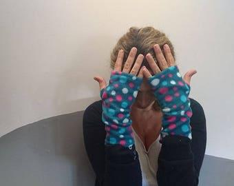 Fleece mittens teal turquoise pink polka dot