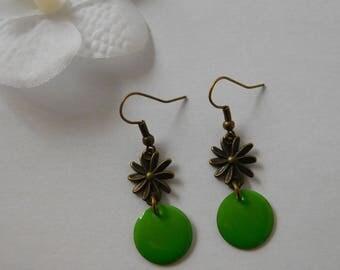 Earrings retro flower sequin green enamel
