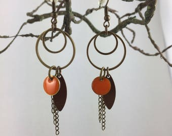 dangle earrings antique bronze, enameled sequin and chain