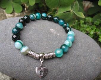 Green agate and heart beaded bracelet
