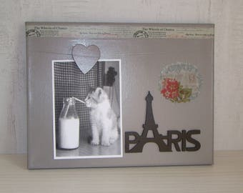 Painting has a hanging sign PARIS + heart photo holder