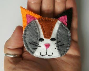 Tortoiseshell cat brooch