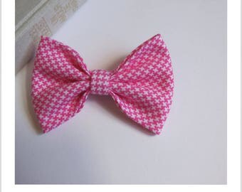 "Bow tie brooch ""skewer me"" pink and white houndstooth"