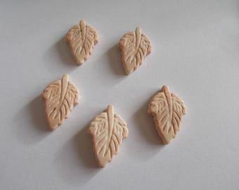 leaf shaped 1 set of 5 narturelles howlite beads