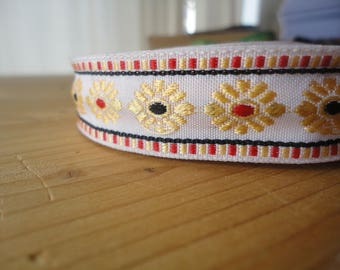 2cm cotton woven floral red and blue, white stripe
