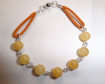 Magnetized and therapeutic honey jade Stretch Bracelet