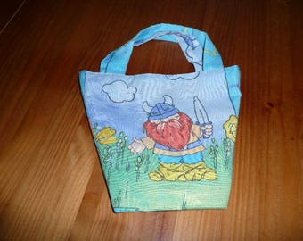 snack for little girl purse