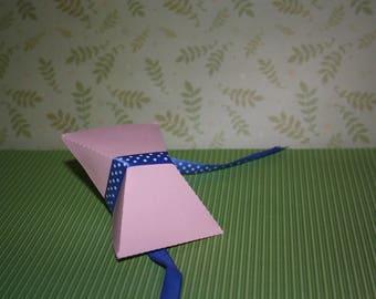 Wrapping gifts, keepsake or jewelry cardboard tie format