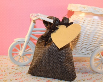 Pouch or Sachet cottage or country chic style with kraft tag burlap heart - shaped vintage English