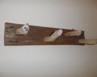 Porte manteaux bois flott esprit bord de mer direction la for Porte manteau bois flotte