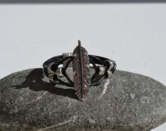 MIXED METAL AND LEATHER BRACELET SILVER