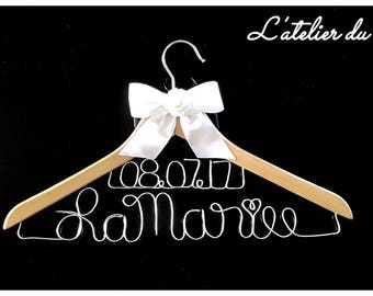 """Double line personalized """"Bride"""" hanger + your wedding date"""
