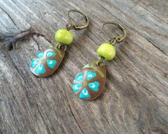 Short and light, small Flower Earrings on brass plate