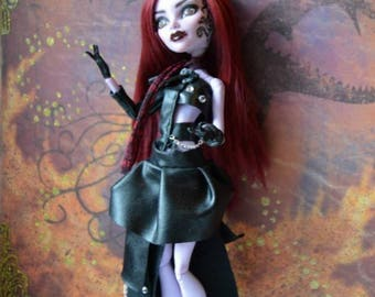 "OoaK ""Dark Rose,"" monster high repaint"