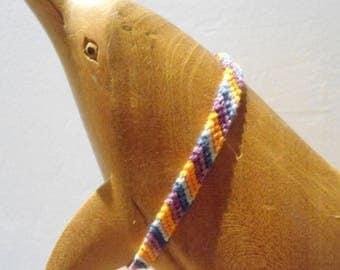 Friendship Bracelet model 3 stripe colors
