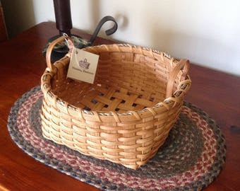 Napkin Basket/Hand carved Shaker Oak Handles/Handwoven/Shaker Basket/Decorative Basket/Country Decor