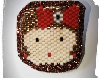 Pin's little woman in peyote stitch with miyuki beads