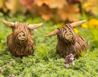 Small pottery highland cow