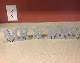 Mr & Mrs sign (small)