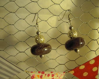 Earrings marbled glass beads taupe and silver metal perforated beads
