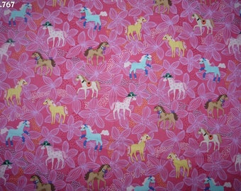 Fabric C767 pony on pink (Michael Miller) coupon 35x50cm