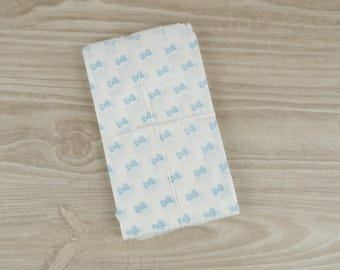 Gift bags baby blue bow - set of 10 - pockets in white paper 9 x 15 cm for jewelry, sweets, candy, storage