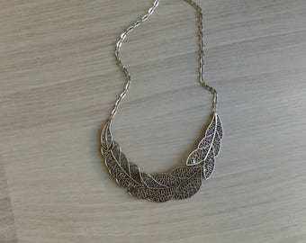 Silver necklace antiqued filigree leaves with pattern / / Aged silver necklace with filigree leaves