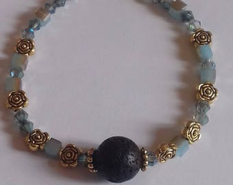 Bracelet with crystals and Golden beads
