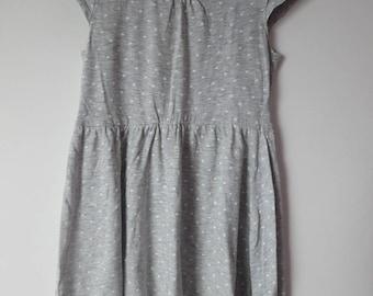 1890: grey dress with polka dots 6 8 H & M ebondy
