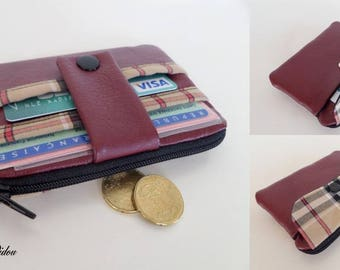 wallet / Burgundy leatherette card holder and famous fabric